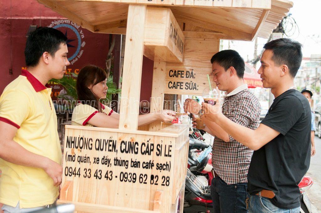 Cafe di động phục vụ được cả đối tượng khách phải di chuyển