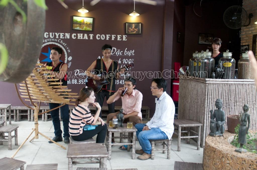 Mở quán cafe thu hút khách