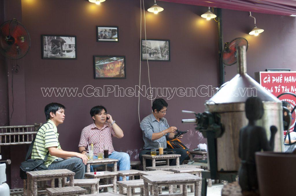 Vật dụng trang trí cần phù hợp phong cách của quán cafe