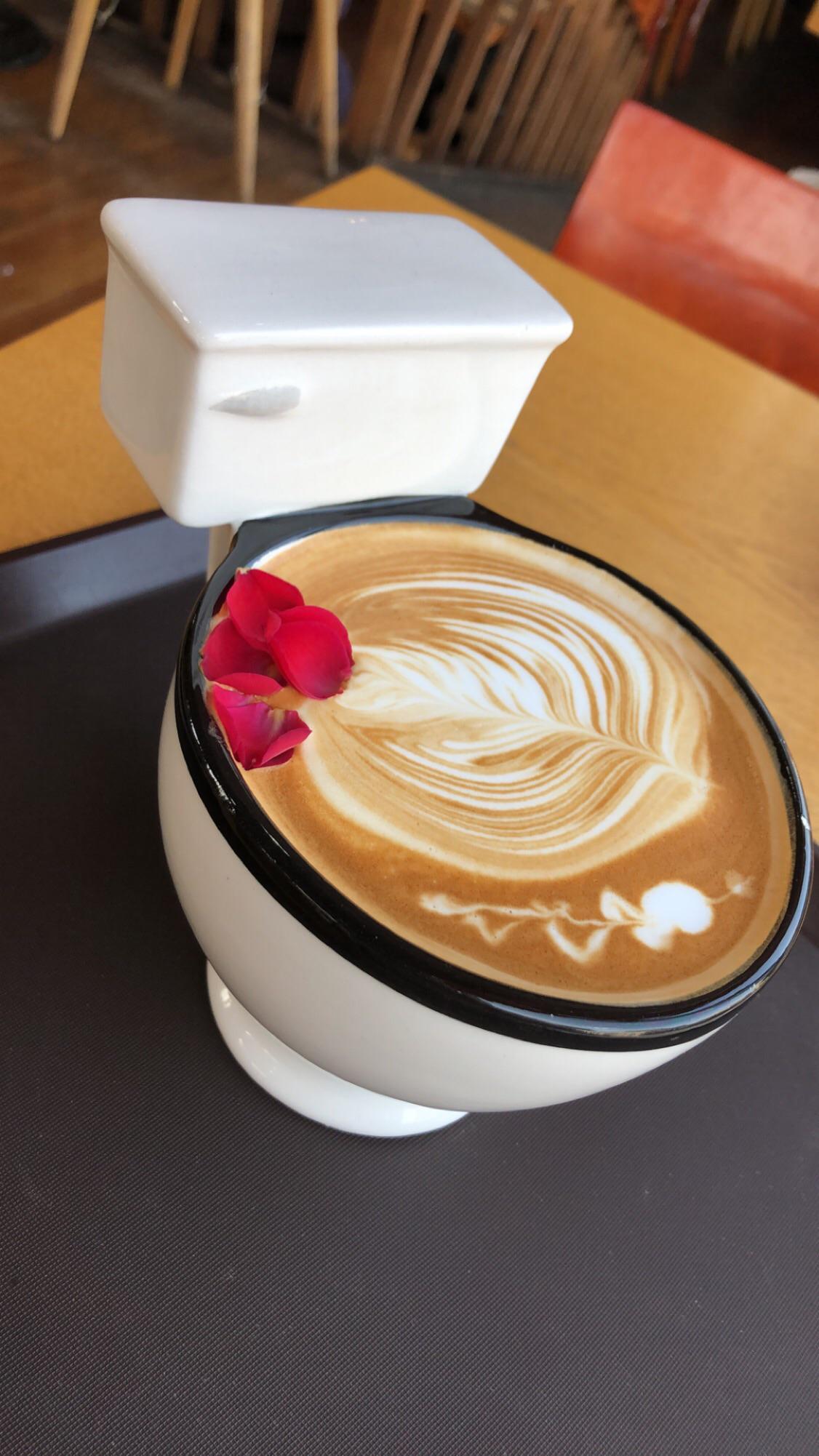 Cà phê toilet